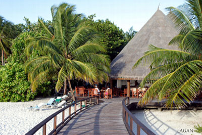 Tourist Resort - Most tourist stay in exclusive resort islands.